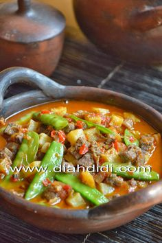 Diah Didi's Kitchen: Sambel Goreng Ati, Kapri & Kentang Meat Recipes, Indian Food Recipes, Asian Recipes, Cooking Recipes, Indonesian Food Traditional, Indonesian Cuisine, Indonesian Recipes, Diah Didi Kitchen, Malay Food