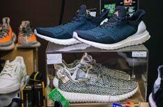 #allenclaudius #bowtiesandbones #levis #liveinlevis #streetwear #sneakerhead #streetwearculture #beardsandtats #blogger #vlogger #youtuber #influencer #india #indian #indiansneakerhead #indianstreetwearinfluencer #urbansneakersociety #jakarta #indonesia #sneakercon #sneakerness #soledxb #sneakerevent #seek #singapore