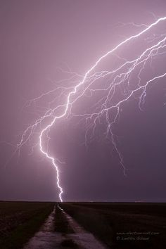 Lightning at the end of the path, simply... South east of Paris - July 20, 2014