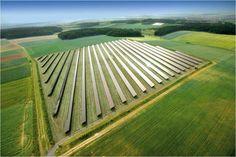 Les énergies hydraulique, géothermique et la biomasse sont compétitives depuis quelques temps déjà, alors que les énergies éolienne et solaire ont eu des difficultés à concurrencer le charbon, le pétrole et le gaz naturel. Au cours de la dernière décennie,...
