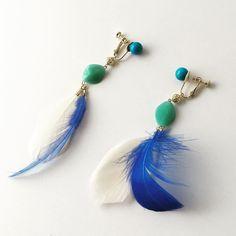 エメラルドグリーンのアクリルビーズが何気にかわいいw #pinkoi #iichi #creema #minne #アクリルビーズ #羽 #ブルーウイング #ターコイズブルー #blueearrings #handmadeaccessory
