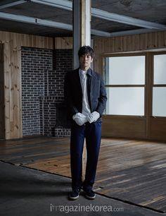 Lee Sang Yoon - Harper's Bazaar Magazine April Issue Lee Sang Yoon, Lee Sung, Angel Eyes, Life Is Beautiful, Korean Actors, The Twenties, Leo, Singing, Normcore