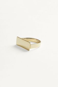 Edge Ring | Kathleen Whitaker