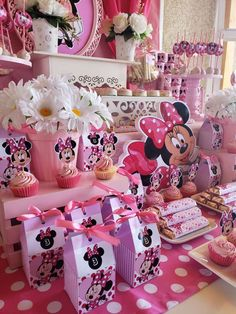 Carolina V's Birthday / Minie mouse - Photo Gallery at Catch My Party Minie Mouse Party, Minnie Mouse Birthday Decorations, Minnie Mouse Theme Party, Minnie Mouse First Birthday, Mickey Mouse Clubhouse Birthday Party, 1st Birthday Party For Girls, Minnie Mouse Baby Shower, Mickey Mouse Birthday, Minnie Birthday Ideas