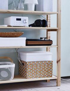 Rangez votre bureau ou votre coin multimédia en glissant votre bloc multiprises dans une jolie boîte.