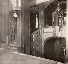 Bellevuestraße 19-20_Weinhaus_Rheingold_Durchgang_Pfeilersaal_zu_Onyxsaal_mit_Rheingoldbrunnen: