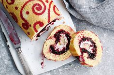 This extravagant blackberry lace swiss roll recipe will steal the show at any afternoon tea. Learn how to make a swiss roll in just 6 steps at Tesco Real Food. Chocolate Chip Recipes, Mint Chocolate Chips, No Cook Desserts, Italian Desserts, Rasberry Cake, Homemade Blackberry Jam, Swiss Roll Cakes, Mini Rolls, Tesco Real Food