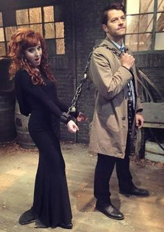 Kinda hoping Rowena survives the finale. She's a good little trouble maker. #Castiel