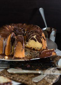 Marbled Bundt Cake with Chocolate Glaze - Kuchen und Torten neu - Bundt Cake Orange Bundt Cake, Blueberry Bundt Cake, Chocolate Bundt Cake, Chocolate Glaze, Chocolate Desserts, Almond Pound Cakes, Pound Cake Recipes, Bunt Cakes, Cupcake Cakes