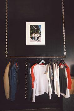 Intérieur de la boutique The Evil Rock N Roll Cat de Juliana Sorelli, une française installée à Hollywood, Los Angeles.  Interior of Juliana Sorelli's shop called, THE EVIL ROCK N ROLL CAT | Hollywood  Photo : Amy Dickerson pour Paris Match