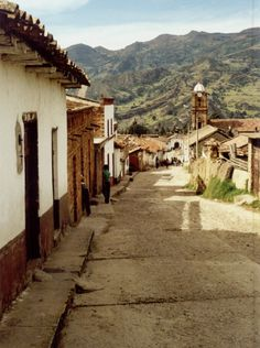 CALLE DE CALICANTO, MONGUÍ. Colombia Travel, By Plane, The Beautiful Country, Small Towns, South America, Scenery, Hiking, Landscape, World