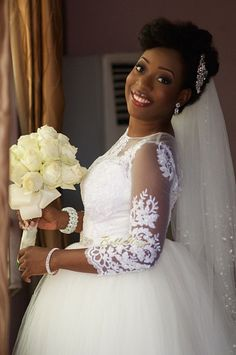 Natural hair updo Nigerian bride Sisi Yemmie & Bobo Yemi   My Big Nigerian Wedding   Lagos Nigerian Yoruba Itsekiri   BellaNaija 003