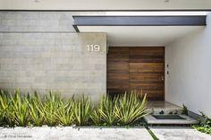 Projekty, translation missing: pl.style.domy.nowoczesny Domy zaprojektowane przez ADI / arquitectura y diseño interior