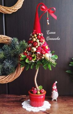 Мои закладки Christmas Advent Wreath, Christmas Topiary, Grinch Christmas, Christmas Decorations To Make, Xmas Tree, Christmas Art, Christmas Projects, Flower Decorations, Christmas Holidays