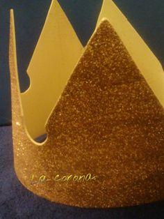 #Corona de goma Eva.