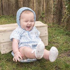 Hoy hemos sacado los LOOKS de la colección Primavera-Verano 2017, puedes verlos en el blog:  www.mamamadejas.com  En la foto Cova partiéndose de la risa!  : @martin__pelayo  #babypics #lol #blue