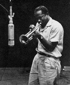 Clifford Brown. After touring with Lionel Hampton's big band, Brown joined Art Blakey briefly and later formed his own quintet with Max Roach. The quintet was quickly recognized as one of the outstanding groups in contemporary jazz and Brown as a major trumpeter and composer. Although his career was brief, Brown's influence persisted for a while in the work of Lee Morgan and throughout succeeding decades in that of Freddie Hubbard.