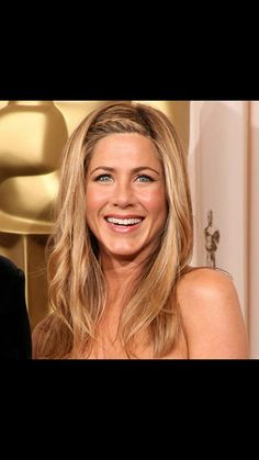 Jennifer Aniston's Hair Evolution Proves She's Never Had a Bad Hair Day in Her Life Oscar Hairstyles, Celebrity Hairstyles, Girl Hairstyles, Braided Hairstyles, Wedding Hairstyles, Jennifer Aniston 90s, Jennifer Aniston Hairstyles, Jennifer Aniston Hair Color, Bad Hair