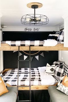 34 Wonderful Glamper Camper Trailer Remodel - There are several choices of towable campers: travel trailers, fifth wheel campers, toy haulers, hybrid campers and pop up or tent campers. The camper. Toy Hauler Camper, Camper Trailers, Travel Trailers, Tent Campers, Farmhouse Toys, Farmhouse Remodel, Trailer Decor, Rv Interior, Trailer Interior