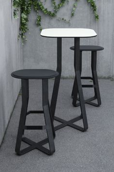 HOT SHOT table and chair consist of only 3 simple but durable materials: black steel and black rubber, topped off with a white HPL board for the tabletop. Cafe Furniture, Urban Furniture, Street Furniture, Outdoor Furniture, Landscape Design, Garden Design, Public Seating, Hot Shots, Table And Chairs