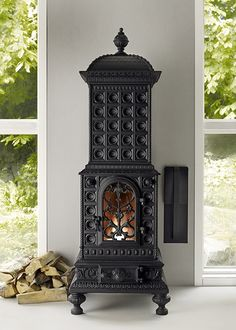 Royal Viking The iconic convector wood burning stove from Josef Davidssons. Cast iron quality meets traditional design and contemporary technology Brand: Josef Davidssons Manufacturer: Josef Davidssons Model: Royal Viking Antique Wood Stove, How To Antique Wood, Stove Fireplace, Fireplace Mantels, Standing Fireplace, Objets Antiques, Classic Fireplace, Old Stove, Cast Iron Stove