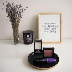 Everythin Kate: REVLON: ROZJASŇUJICÍ PALETKA, ŘASENKA DEFINITION, ... Revlon, Shinee, Lavender, Blush, Cosmetics, Beauty, Rouge, Beauty Illustration