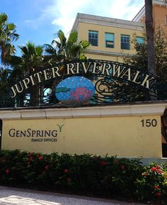 JUPITER RIVERWALK - Jupiter FL is a south Florida city with wonderful scenery and a picturesque style. Jupiter Riverwalk is a locals and tourist destination.