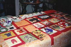 Travail collectif Assemblage du Quilt représentant les differentes activités de  l'association couture - patchwork - broderie - tricot -peinture - bourse aux plantes et aux vêtements offert à la commune de Bayenghem les Eperlecques pour l'inauguration de la salle en 2005
