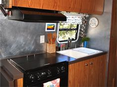 rv+kitchen+is+easy+to+clean