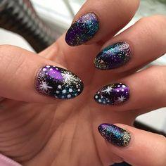 """""""#nail #glitter #sparkle #chester #salon #utopiachester #cndshellac #round #fabulous #love"""""""