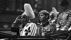 De ce nu fost Regele Mihai la înmormântarea tatălui său, Carol al II-lea Michael I Of Romania, Romanian Royal Family, Che Guevara, King, Kefir, Vertical Bar, Cardiology, Shelf