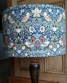 HANDMADE LAMPSHADE William Morris Strawberry Thief navy red green pendant lamp #Handmade #ArtDecoStyle Green Pendants, Wall Boxes, Country Style Homes, William Morris, Art Deco Fashion, Pendant Lamp, Red Green, Bubbles, Strawberry