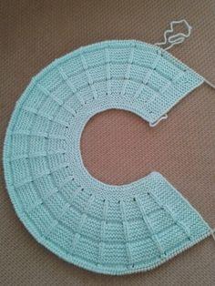 Knitting and Crochet Baby Knitting Patterns, Knitting For Kids, Knitting Stitches, Baby Patterns, Free Knitting, Diy Crochet Sweater, Crochet Baby Cardigan, Knit Crochet, Diy Crafts Knitting