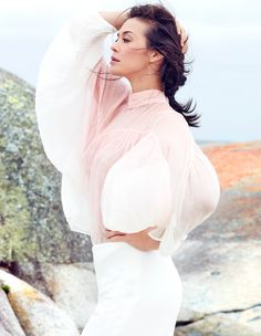Hair and makeup by Blanka Dudas on Megan Gale for the Australian Traveller Magazine.