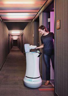 Futuristic Robot, Crowne Plaza's Dash, Savioke, Delivery Robot, San Jose Silicon Valley Hotel