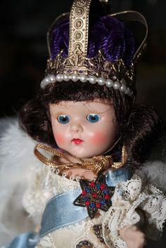 1950's Vogue Strung Ginny Coronation Queen, Rare