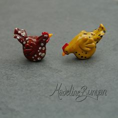 Lola and Darcey - Sculpted Chickens Lampwork Bead Focal, Brown and Cream spotty