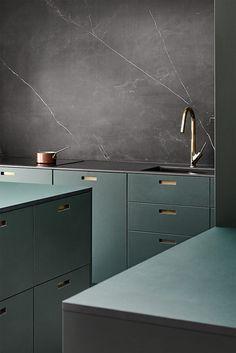 Classic Home Decor Kitchen Room Design, Modern Kitchen Design, Home Decor Kitchen, Interior Design Kitchen, Home Decor Bedroom, Interior Decorating, Interior Livingroom, Ikea Kitchen, Kitchen Layout