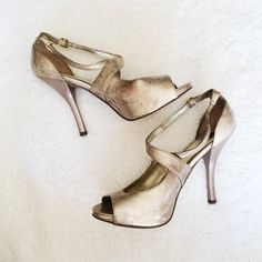 🌟$5🌟 Gold Heels I've had these heels for years now, but only wore them a couple times. The flaws are shown in the photos above. They are in okay condition. Most of the wear is from when I was in college, moving at the end of every year.  ✅BUNDLE DISCOUNTS! 🚫No trades/paypal/other apps. 🚫No lowball offers. Carlos Santana Shoes Heels