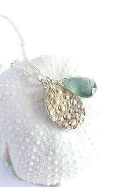 Wana Teardrop Sea urchin moss aquamarine Necklace