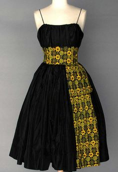 Vintage 1950 noir jupe Look nouvelle Party Dress robe des African Fashion Ankara, Latest African Fashion Dresses, African Print Dresses, African Print Fashion, African Prints, African Attire, African Wear, African Women, Moda Afro