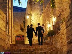 Neil Patrick Harris Marries David Burtka http://www.people.com/article/neil-patrick-harris-marries-david-burtka