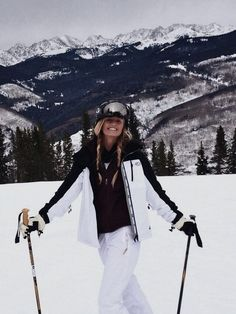 ski et snowboard Ski Outfits, Winter Outfits, Mode Au Ski, Apres Ski Party, Ski Et Snowboard, Ski Ski, Ski Bunnies, Foto Casual, Ski Wear