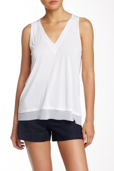 14th & Union V-Neck Contrast Trim Tank (Petite)