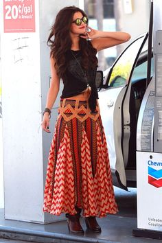 Selena Gomez How To Attract Selena Gomez http://howtoattractwomentip.com/become-a-badass-with-women/