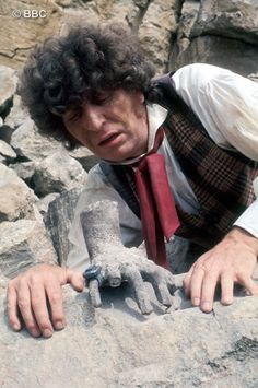 "The Fourth Doctor discovers ""The Hand Of Fear"" 4th Doctor, Good Doctor, Dr Who Shirt, Doctor Who Wallpaper, William Hartnell, Her World, Time Lords, What Is Like, Science Fiction"
