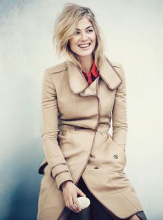 Rosamund Pike is gorgeous and I love her hair