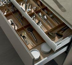 Binnenlade voor extra opbergruimte in de keuken: http://nieuwekeukenplanner.nl/keuken-inspiratie-en-tips/het-nut-van-een-binnenlade-in-jouw-keuken/