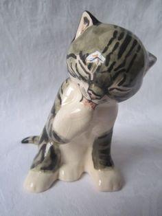 Seneshall Pottery Cat 'Tabby'