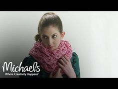 Arm Knitting for Beginners. Learn the basics of arm knitting and complete your own super-soft, chunky cowl in less than an hour! This video is ideal for beginners -- all you need to get started are two skeins of yarn (and your arms! Finger Crochet, Finger Knitting, Loom Knitting, Hand Knitting, Knitting Scarves, Arm Knitting Tutorial, Knitting Videos, Knitting For Beginners, Poncho Knitting Patterns